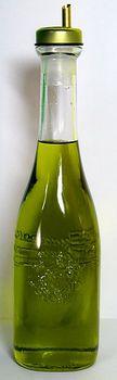 200px-Italian_olive_oil_2007[1].jpg